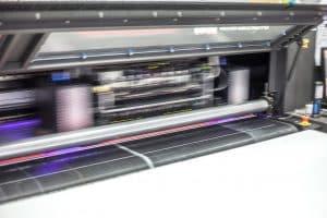 Detailaufnahme Digitaldruckmaschine im Einsatz