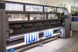Umweltfreundlicher Bannerdruck auf unserer Latex-Druckmaschine der Firma HP