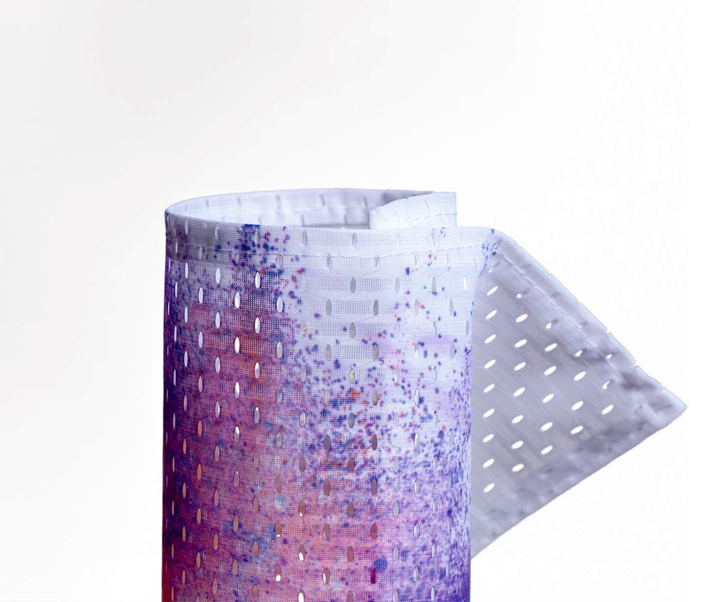 Eingerolltes, farbig bedrucktes Mesh-Stoffbanner 115g Textilmaterial