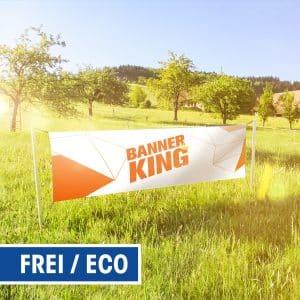 freistehende Banner-Rahmen Eco auf Wiese montiert