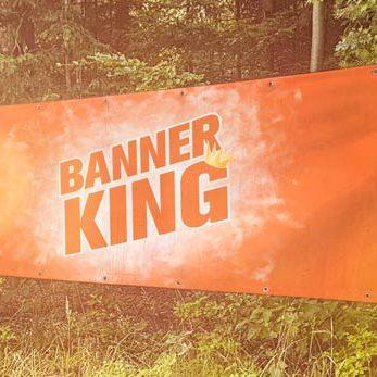 Schönes langes Banner mit Werbedruck